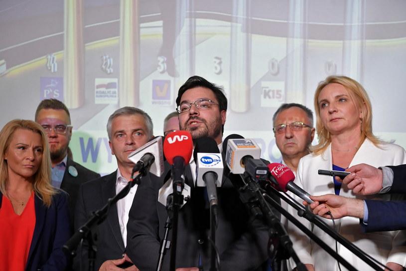Wicemarszałek Sejmu Stanisław Tyszka w sztabie wyborczym Kukiz'15 /Piotr Nowak /PAP