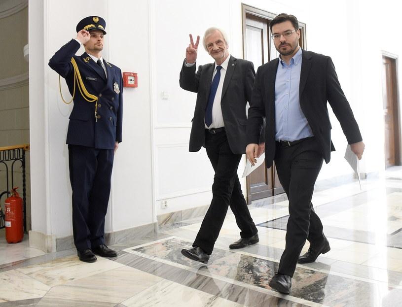 Wicemarszałkowie Sejmu Ryszard Terlecki (C) z PiS i Stanisław Tyszka (P) z Kukiz`15 /Radek Pietruszka /PAP