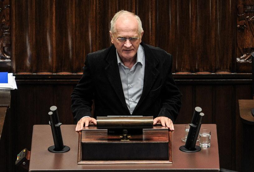 Wiceminister kultury Krzysztof Czabański podczas pierwszego czytania poselskiego projektu ustawy o Radzie Mediów Narodowych /Marcin Obara /PAP