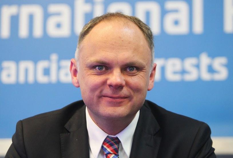 Wiceminister spraw wewnętrznych Grzegorz Karpiński przedstawił raport z dwunastu miesięcy obowiązywania nowych przepisów /Stanisław Kowalczuk /East News