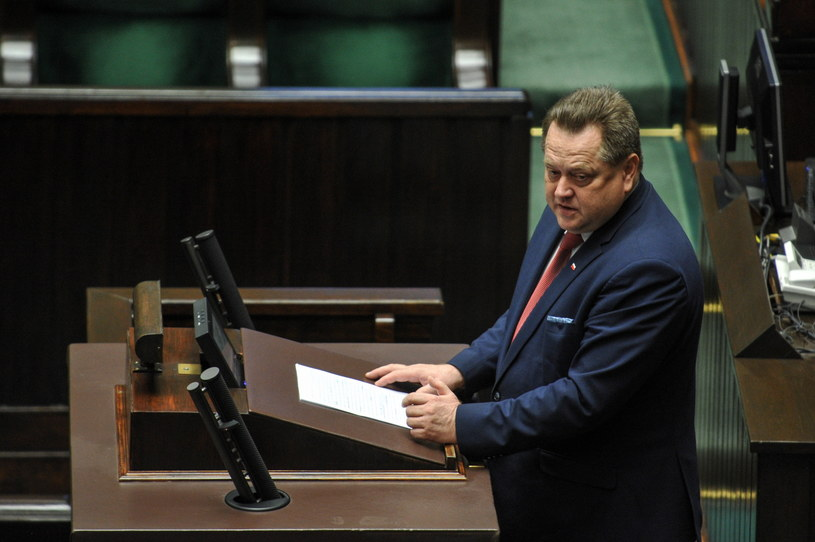 Wiceminister spraw wewnętrznych i administracji Jarosław Zieliński /Marcin Obara /PAP