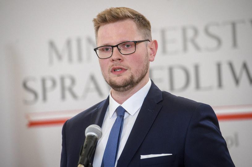 Wiceminister sprawiedliwości Michał Woś /Zbyszek Kaczmarek /East News