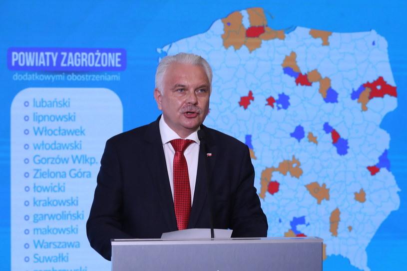 Wiceminister zdrowia przedstawił nową listę powiatów w strefach żółtych i czerwonych / Tomasz Gzell    /PAP