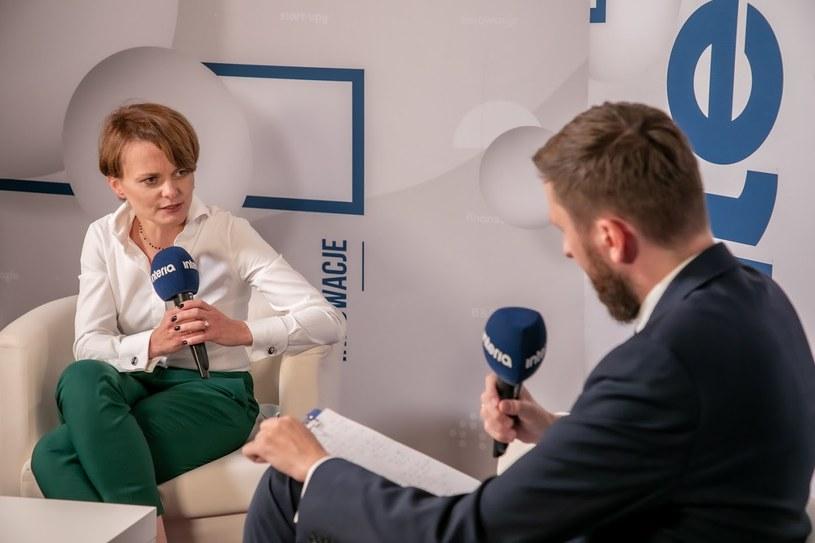 Wicepremier Jadwiga Emilewicz podczas rozmowy z dziennikarzem Interii Bartoszem Bednarzem /Ireneusz Rek /INTERIA.PL