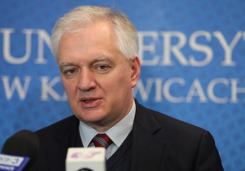 Wicepremier, minister nauki i szkolnictwa wyższego Jarosław Gowin podczas konferencji prasowej w Uniwersytecie Śląskim w Katowicach /Andrzej Grygiel /PAP