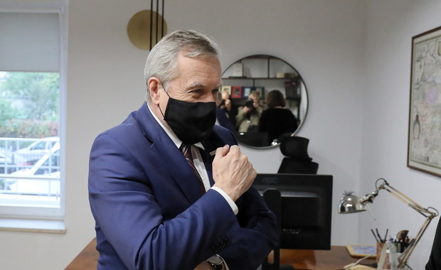 Wicepremier Piotr Gliński w kwarantannie. Spotkał się z zakażonym koronawirusem biskupem