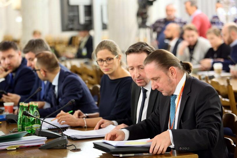 Wiceprezydent Warszawy na posiedzeniu sejmowej komisji /Leszek Szymański /PAP