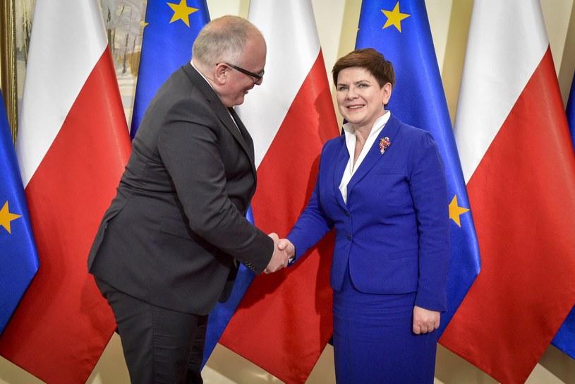 Wiceprzewodniczący KE Frans Timmermans i premier Beata Szydło /Jacek Domiński /Reporter