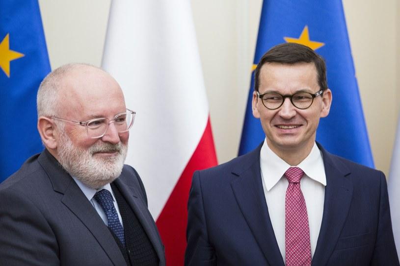 Wiceszef KE Frans Timmermans i premier Mateusz Morawiecki /Andrzej Hulimka  /Reporter