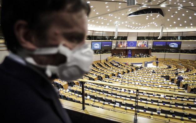 Wiceszef MSZ: Plan UE ws. walki z koronawirusem jest mało ambitny