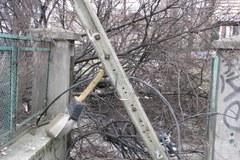 Wichura połamała drzewa i zerwała linie energetyczne