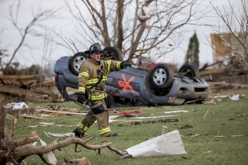 Wichura przewracała samochody i powalała drzewa (zdjęcie ilustracyjne) fot. Jon Durr /AFP