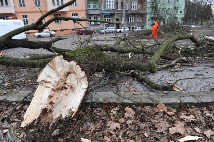 Wichury wyrządziły poważne szkody /Marcin Bielecki /PAP