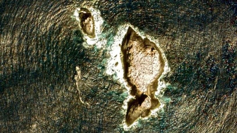 Widoczne nad powierzchnią szczyty Pūhāhonu /materiały prasowe