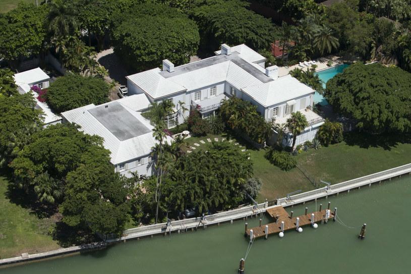 Widok na dom Phila Collinsa, który jest przedmiotem sporu z byłą żoną /Splash News /East News