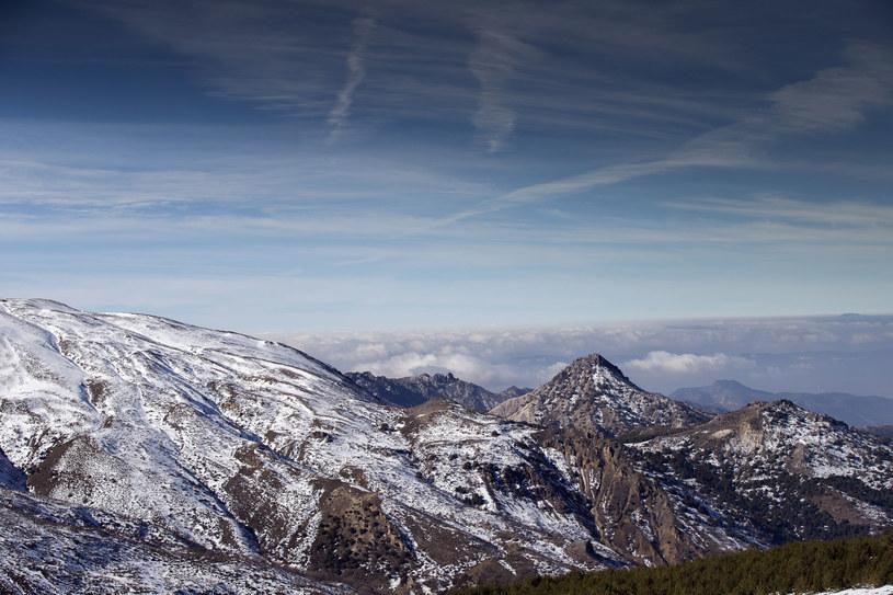 Widok na góry Sierra Nevada w Hiszpanii /Dan Talson /123RF/PICSEL