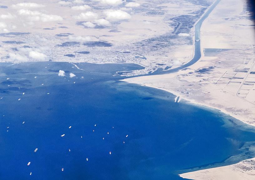 Widok na Kanał Sueski z lotu ptaka /AFP