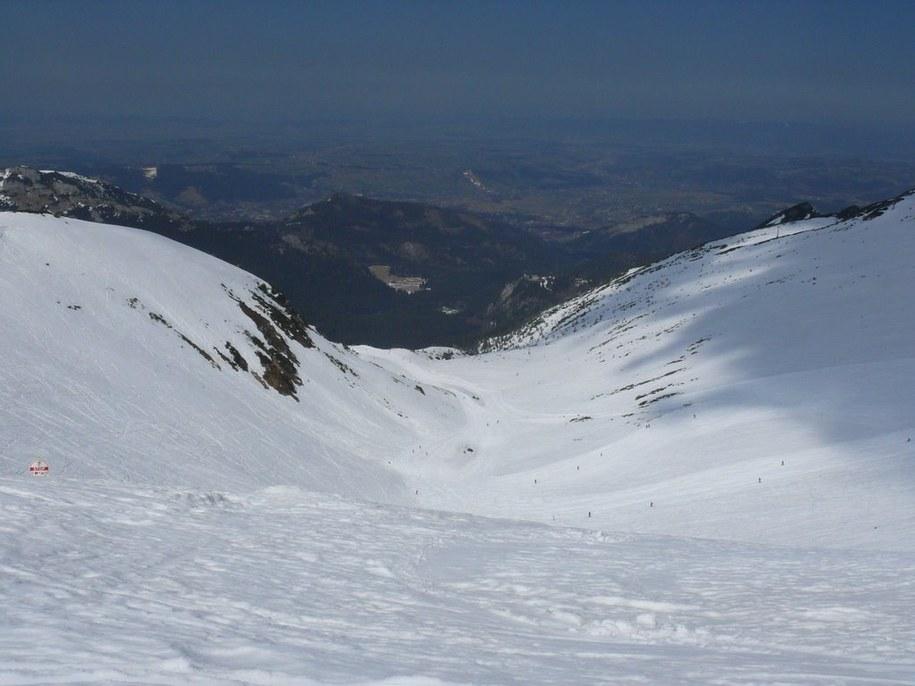 Widok na Kocioł Goryczkowy z Goryczkowej Przełęczy nad Zakosy.  /Jan Latała /RMF FM