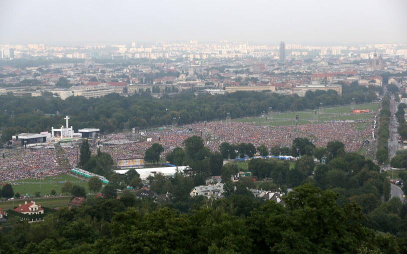 Widok na krakowskie Błonia, podczas mszy otwarcia /Paweł Supernak /PAP