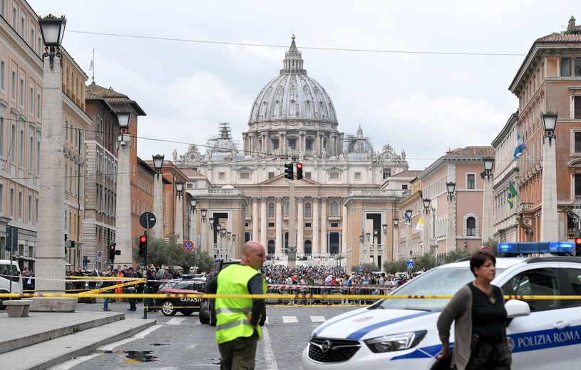 Widok na Plac św. Piotra od strony via della Conciliazione /AFP