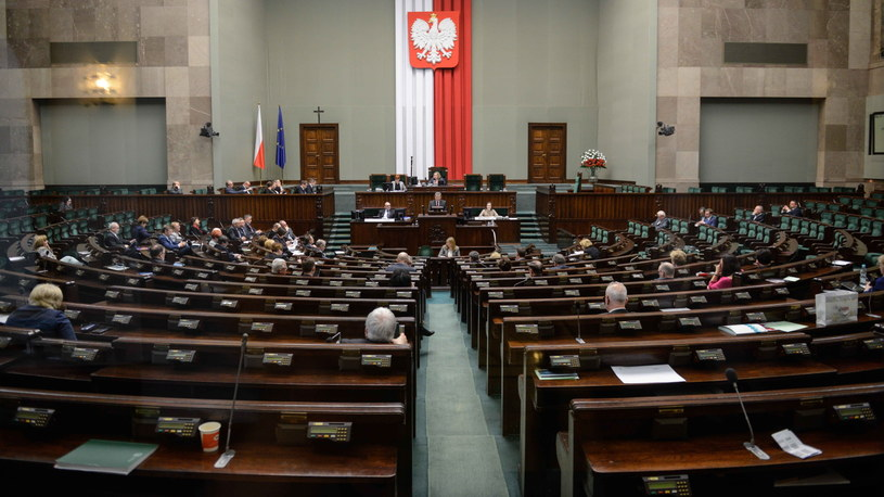 Widok na salę obrad podczas debaty o in vitro /Jakub Kamiński   /PAP