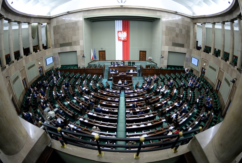 Widok na salę obrad, podczas posiedzenia Sejmu /Jacek Turczyk /PAP