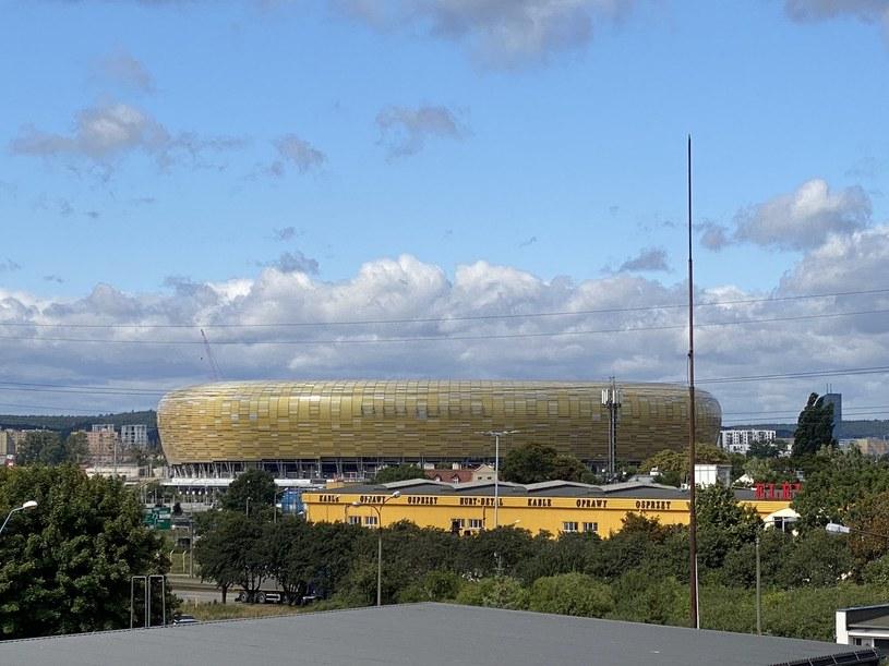 Widok na stadion z miejsca pracy pana Piotra /