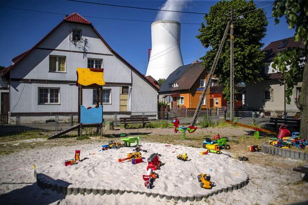 Widok na Turów zza czeskiej granicy /Martin Divisek /PAP/EPA