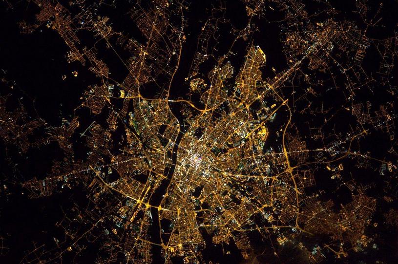 Widok na Warszawę z kosmosu /Thomas Pesquet /Twitter