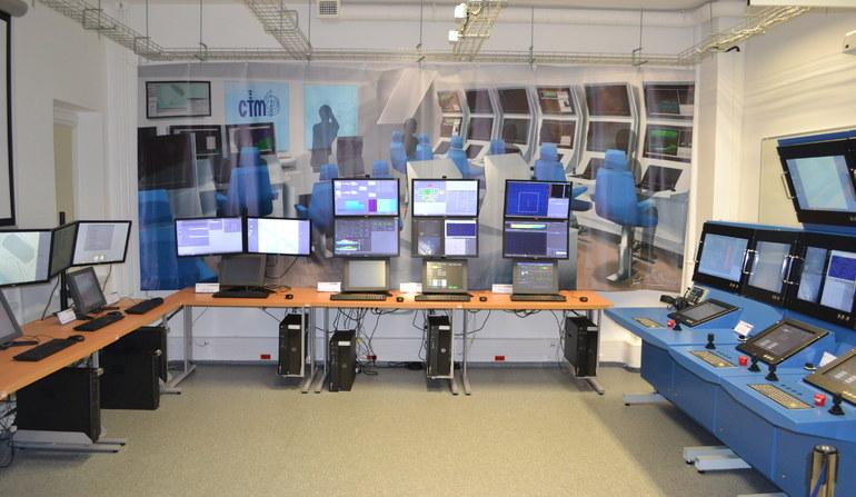 """Widok ogólny """"Laboratorium Integracji Systemów Okrętowych"""". Fot: Maksymilian Dura /Defence24"""