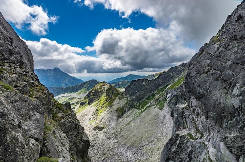 Widok rozciągający się z Orlej Perci /123RF/PICSEL