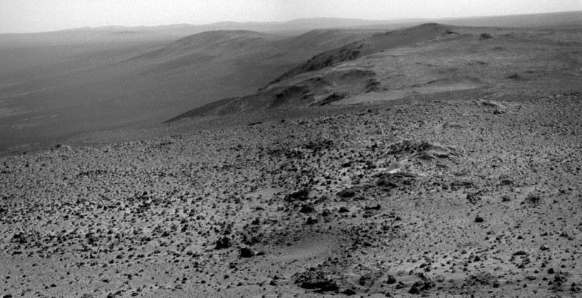 Widok z Cape Tribulation wykonany kamerą panoramiczną łazika Opportunity. /materiały prasowe
