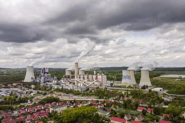 Widok z drona na Kopalnię Węgla Brunatnego Turów /Aleksander Koźmiński /PAP