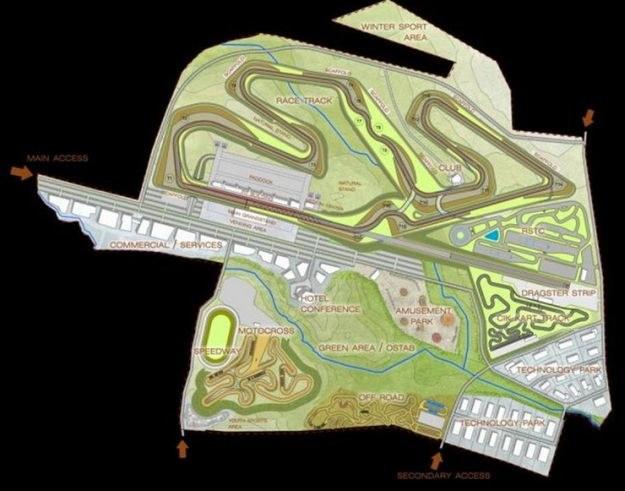 Widok z góry na Narodowe Centrum Sportów Motorowych i Rekreacji /