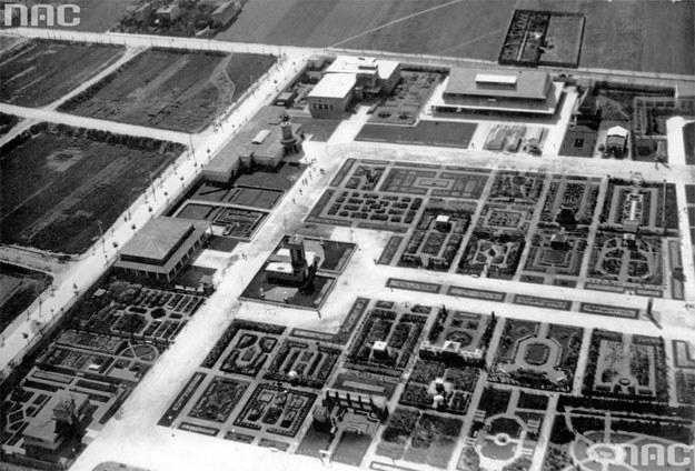 Widok z lotu ptaka na pawilony /Z archiwum Narodowego Archiwum Cyfrowego