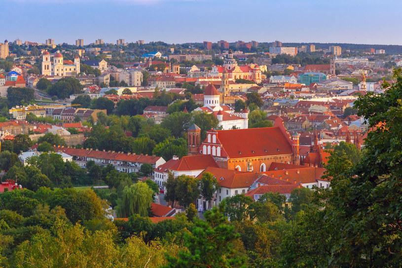 Widok z lotu ptaka na Stare Miasto w Wilnie /123RF/PICSEL