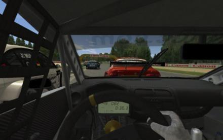 Widok ze środka samochodu pozwala na nutkę realizmu /INTERIA.PL