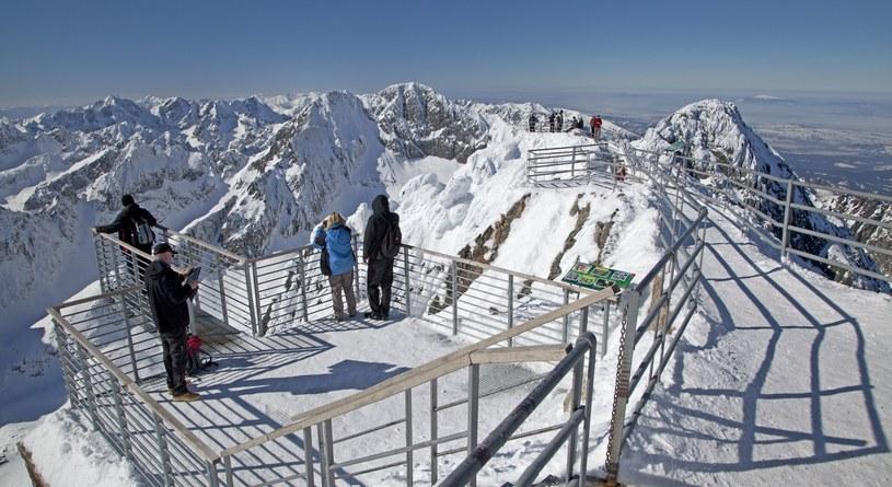 Widok ze szczytu Tatrzańskiej Łomnicy /123RF/PICSEL