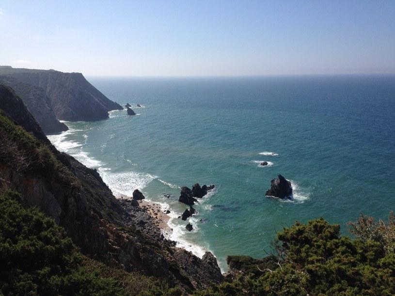 Widok ze szlaku z poblizu Cabo da Roca /Justyna Tomaszewska /INTERIA.PL