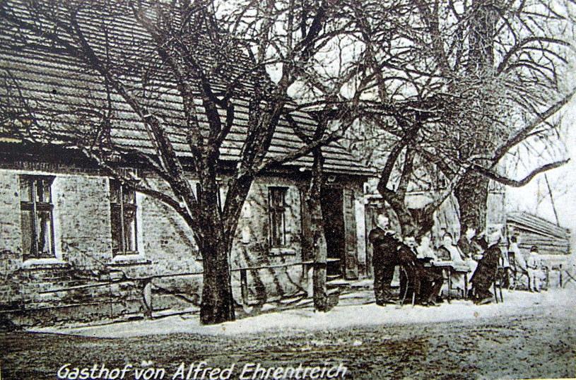 Widokówka przedstawiająca niemiecką gospodę w Niwce /Odkrywca