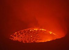 """""""Widzę wysokie fontanny lawy"""". Wybuchł wulkan Nyiragongo"""