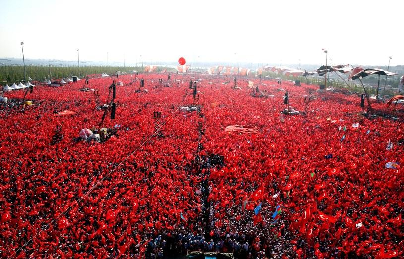 Wiec poparcia dla Recepa Tayyipa Erdogana /AFP