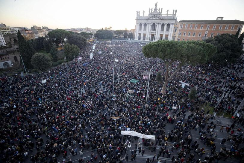 """Wiec """"sardynek"""" w Rzymie /PAP/EPA"""