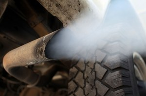 Więcej aut - więcej spalin /autor /AFP
