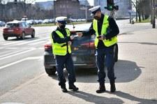 """Więcej policjantów na drogach podczas majówki. """"Wciąż mamy stan epidemii"""""""