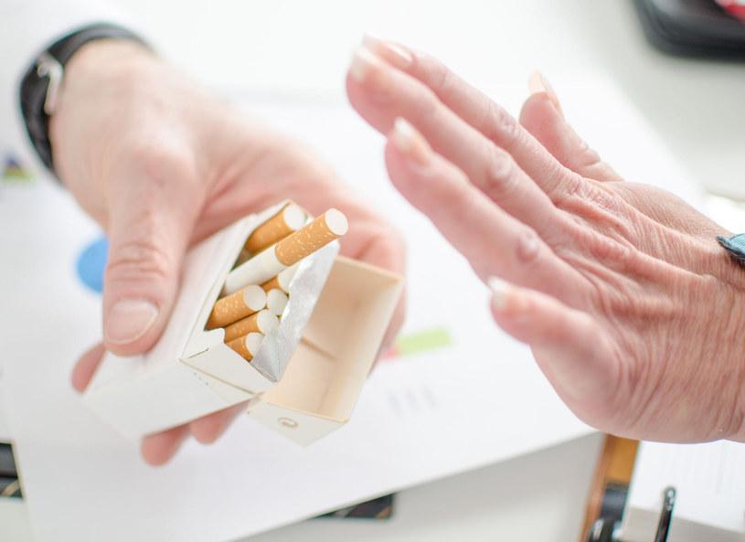 Więcej zachorowań na raka płuc odnotowuje się wciąż wśród kobiet /Picsel /123RF/PICSEL