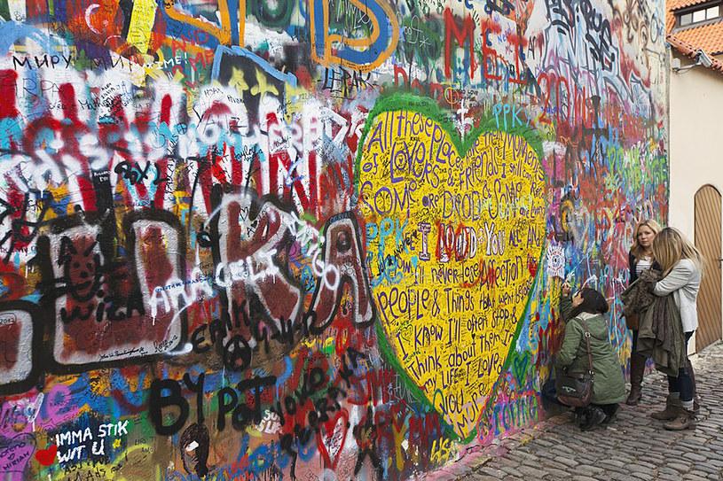 Wiecznie żywa ściana Johna Lennona      fot. Design Pics RM /East News
