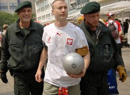 Wiedział o zagrożeniu. Na mecz wziął ze sobą bokserską ochronę na szczękę. Dortmund, czerwiec 2006 /AFP