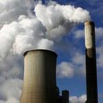 Większa redukcja emisji CO2 zagrożeniem dla gospodarki