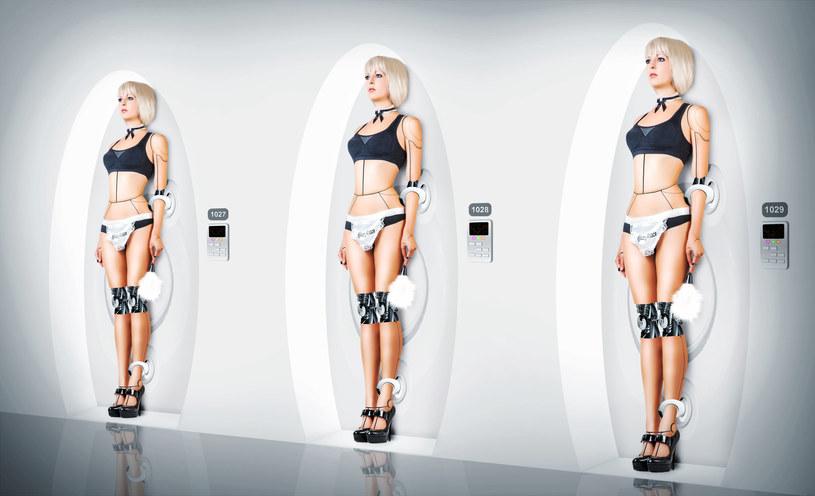 Większość futurystów jest zgodna - technologie wkraczają i będą wkraczać do intymnej strefy naszego życia /123RF/PICSEL